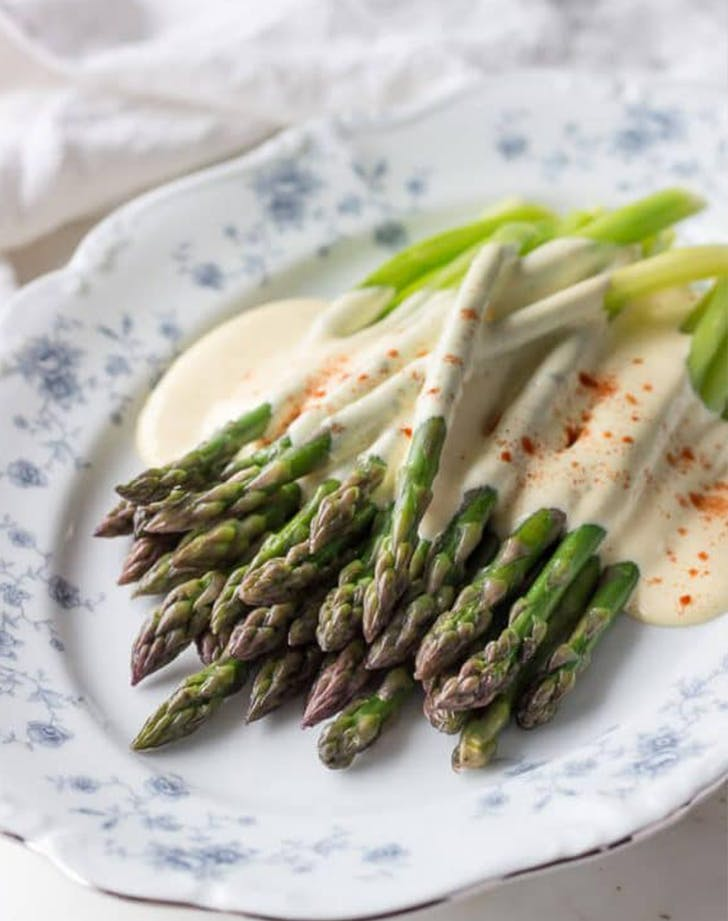 Asparagus with Hollandaise Sauce ketogenic side dish recipe