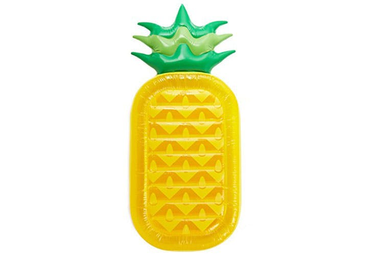 Luxe Pineapple Pool Float1