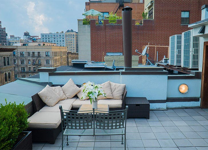 chic rooftop bricks couch2