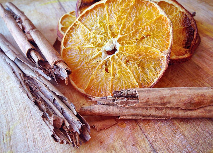 dried oranges cinnamon