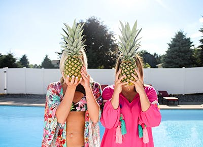 girls with pineapples 400