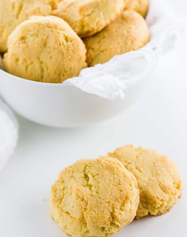 low carb paleo almond flour biscuits recipe