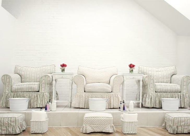 white chairs roses