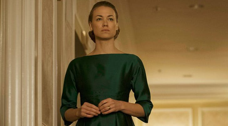 'Handmaids Tale' Star Yvonne Strahovski Had a 'Gross' Side Effect While Trying to Hide Her Pregnancy On Set