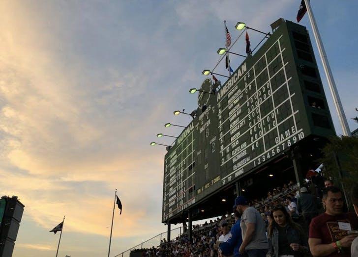 chicago cubs stadium score board1