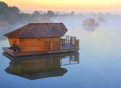 floating hotels 400