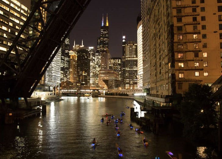 kayaks fireworks tour skyline1