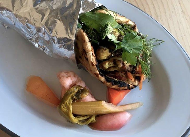 kebab vegetables plate