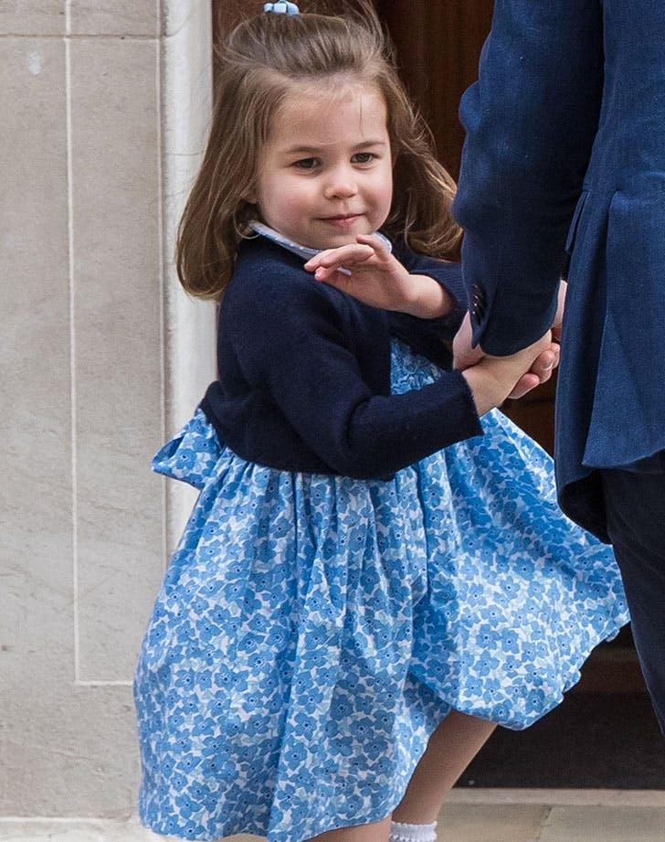 princess charlotte waving st marys hospital