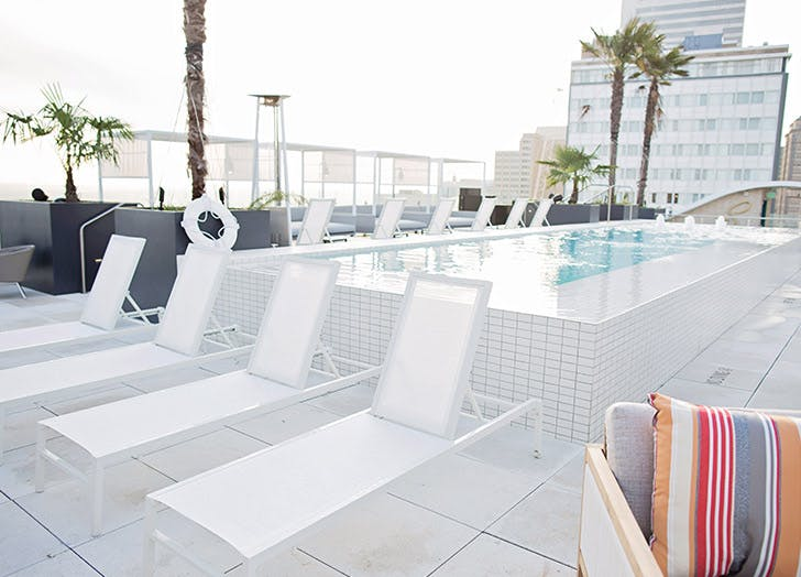 rooftop water proof chairs pool white
