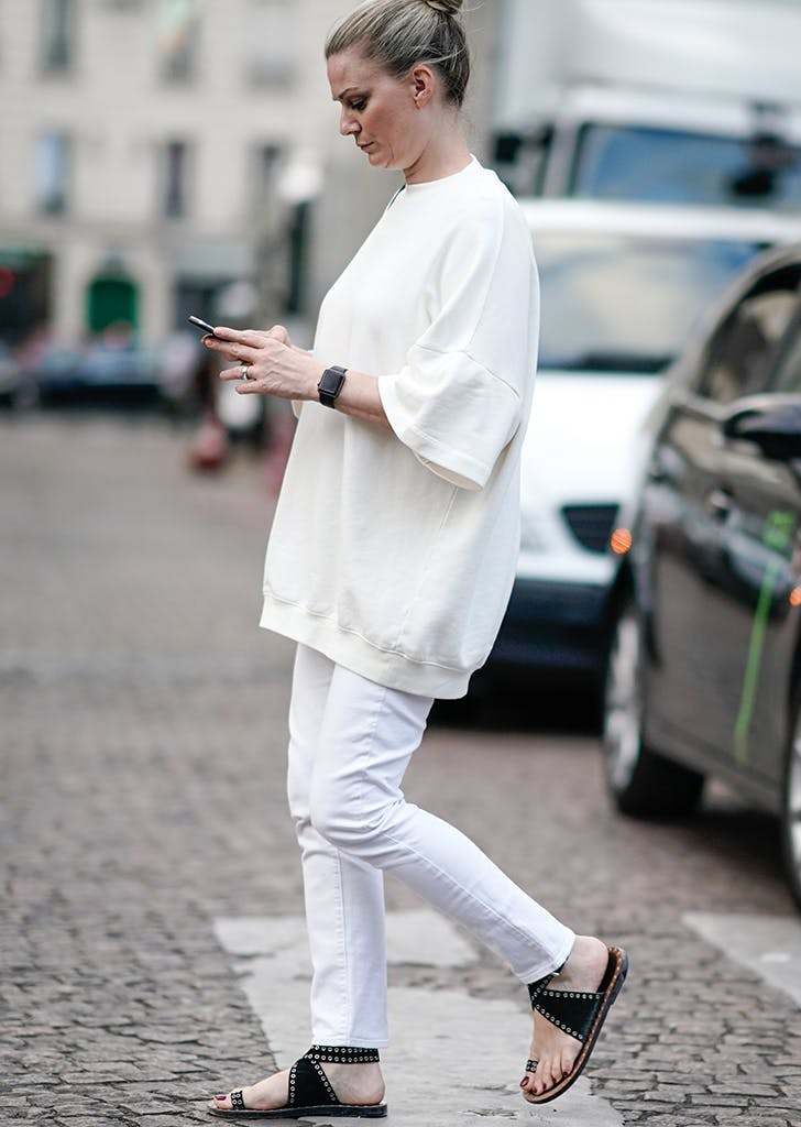 30 White Jean Outfits to Wear This Summer - PureWow 9aee59c50