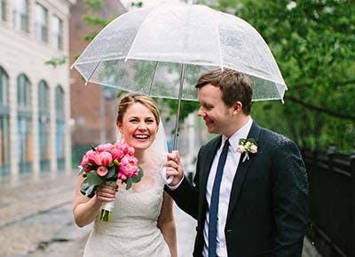 Bride groom rain 400