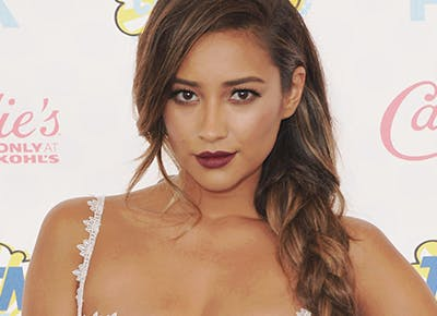 Shay Mitchell side braid 400