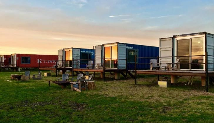 Shipping container hotel FlopHouze