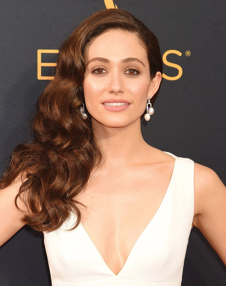 emmy rossum side part hair