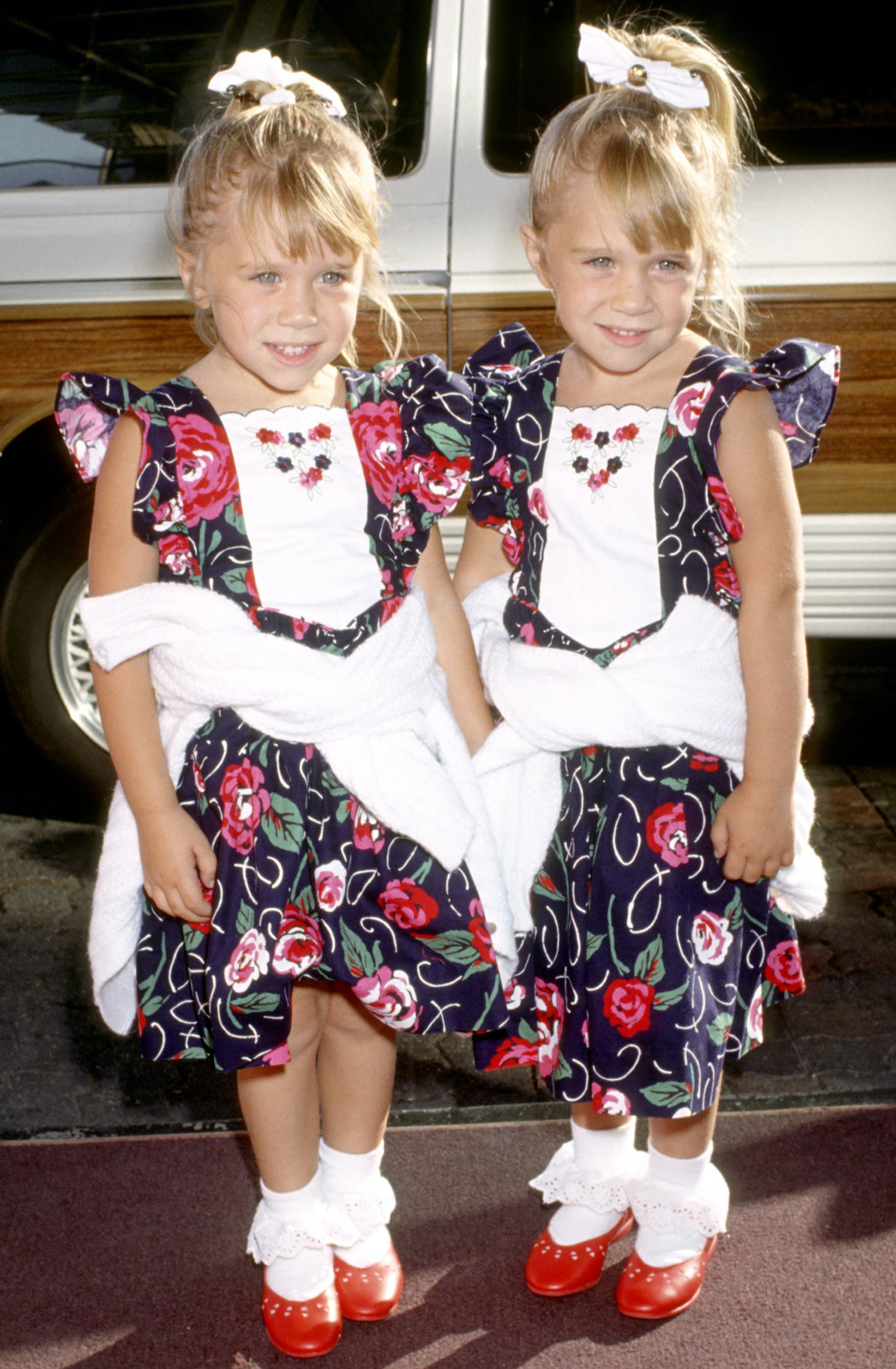 mary kate and ashley olsen in 1991