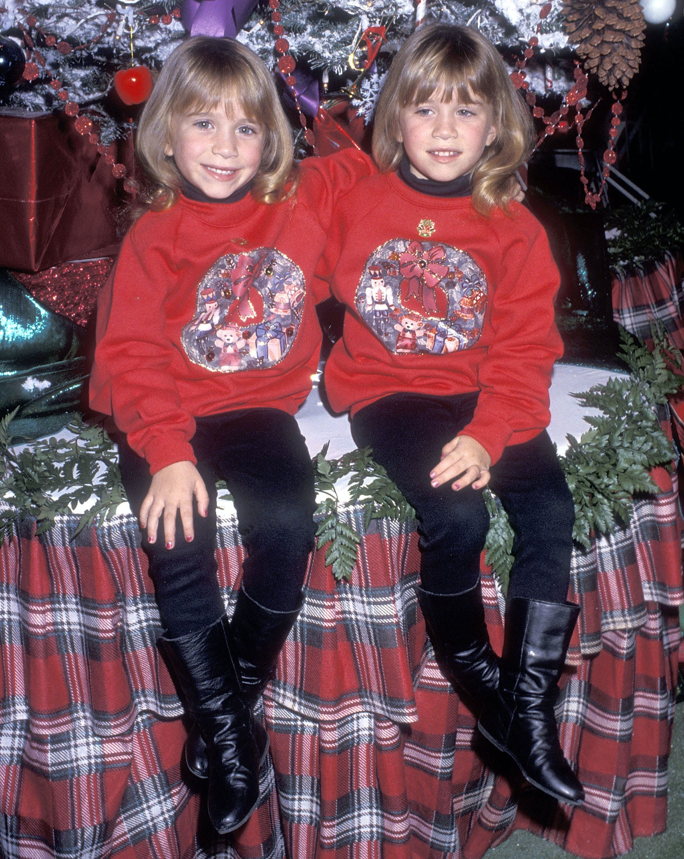 mary kate and ashley olsen in 1992