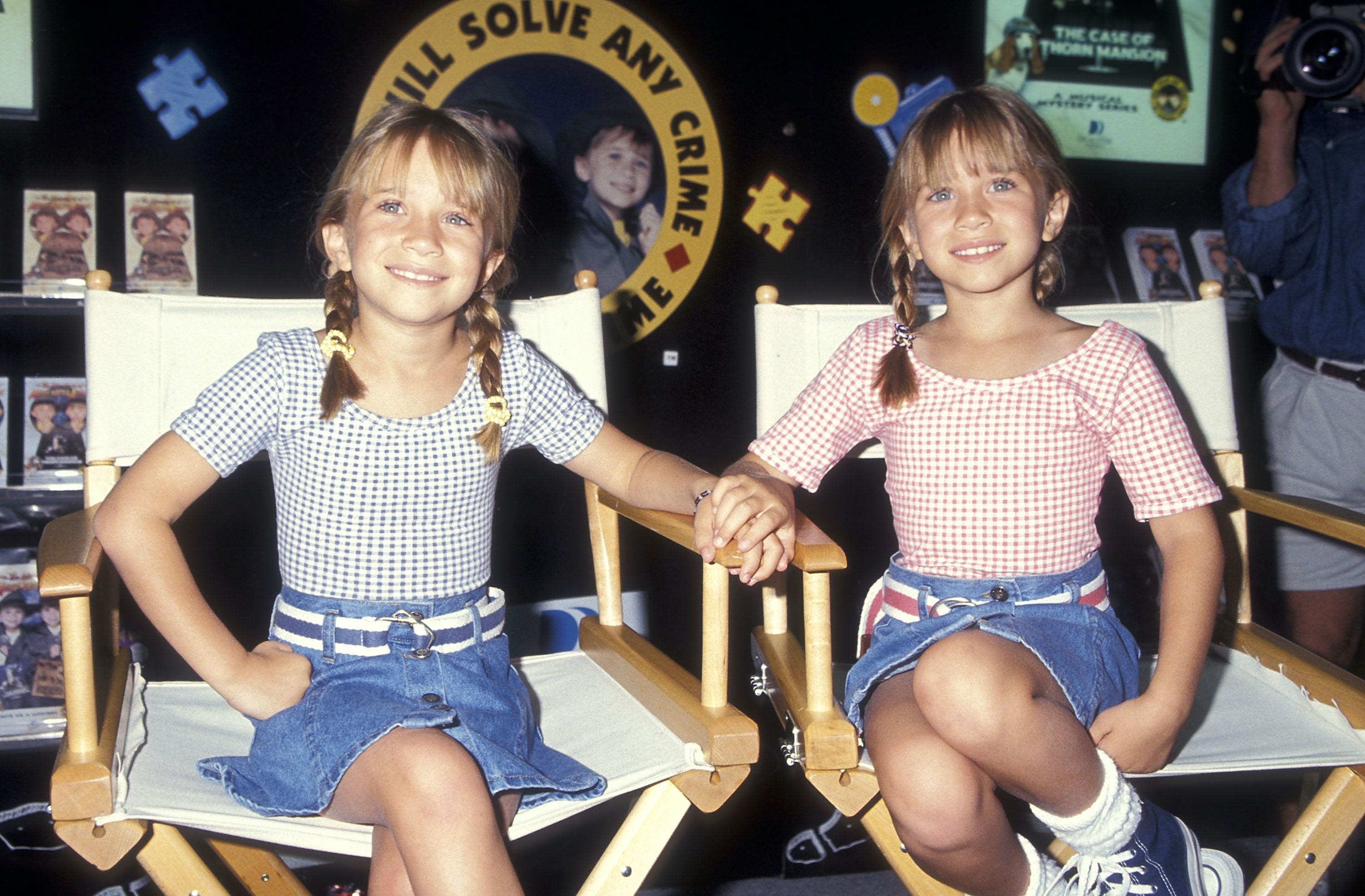mary kate and ashley olsen in 1996