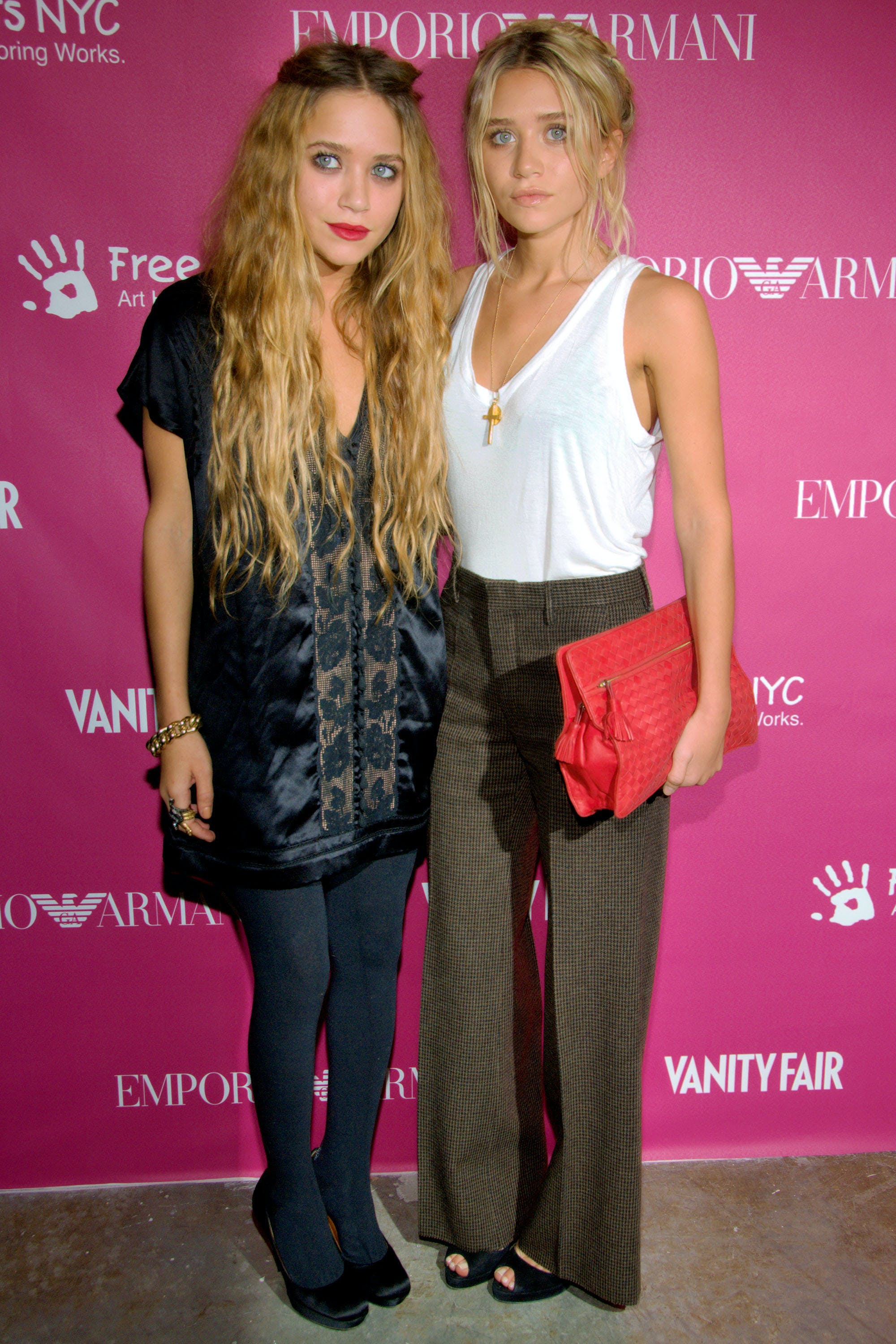 mary kate and ashley olsen in 2006