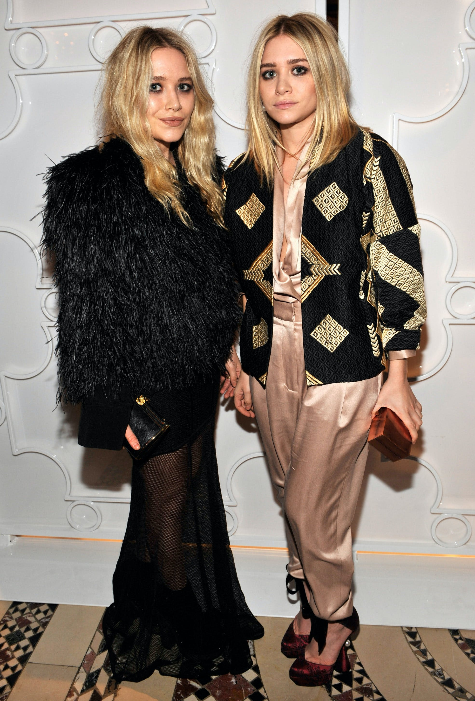 mary kate and ashley olsen wearing awesome jackets in 2010