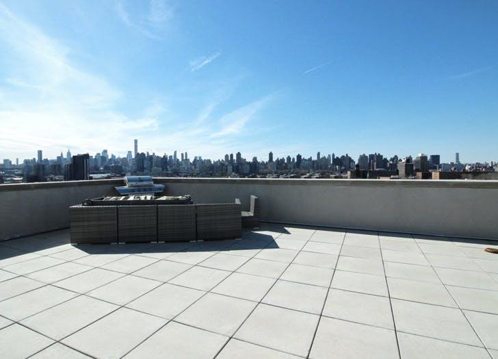one bedroom astporia rooftop skyline