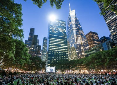 outdoor movie park NYC 400