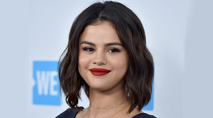 Selena Gomez Says Shes Most Like *This* 'Friends' Character