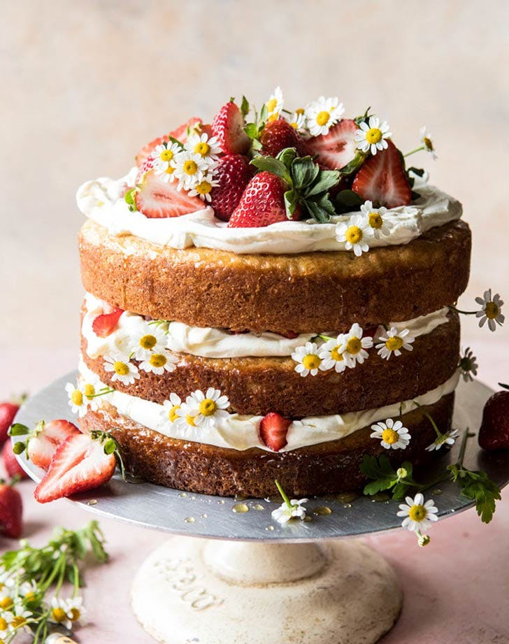 strawberry chamomile naked Cake
