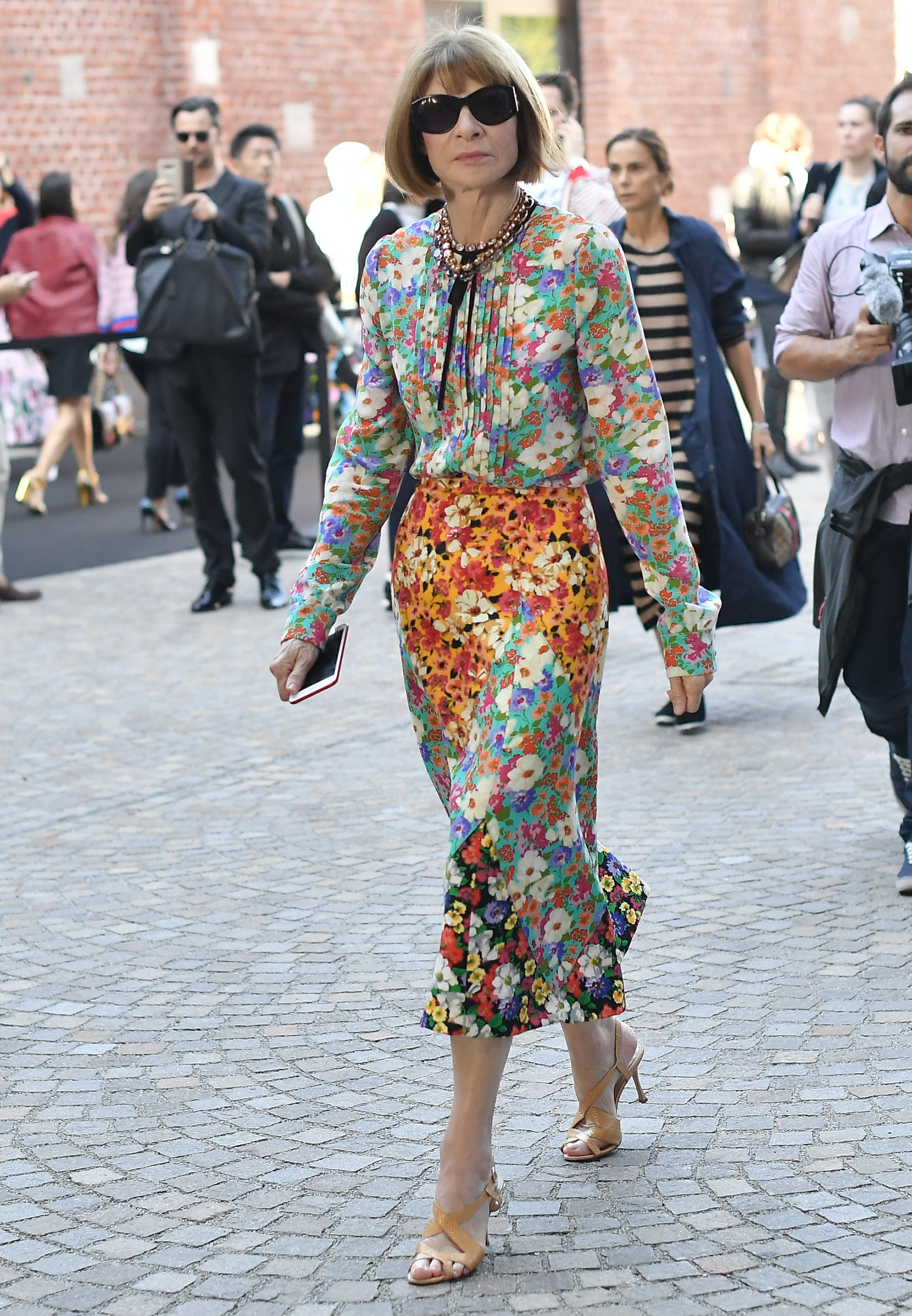 Anna Wintour wearing a mixed floral print dress a6ded9be7