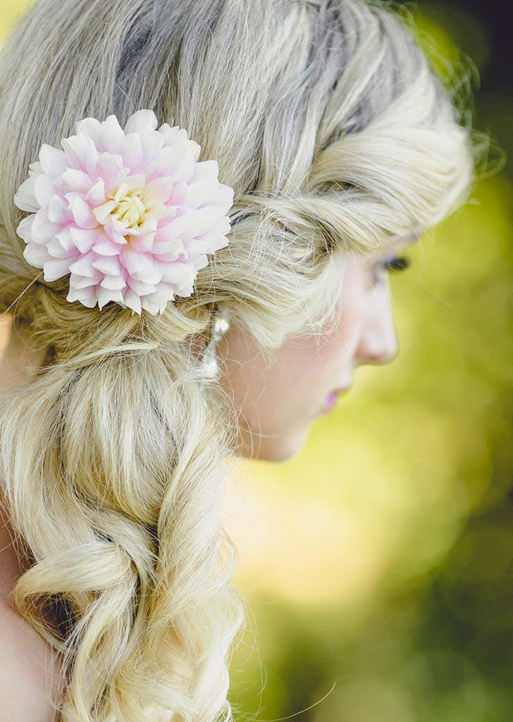 bridal hairstyle with dahlias