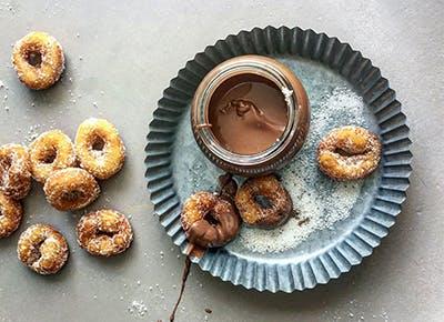 doughnuts chocolate sauce blue stripes chocolate shop 400