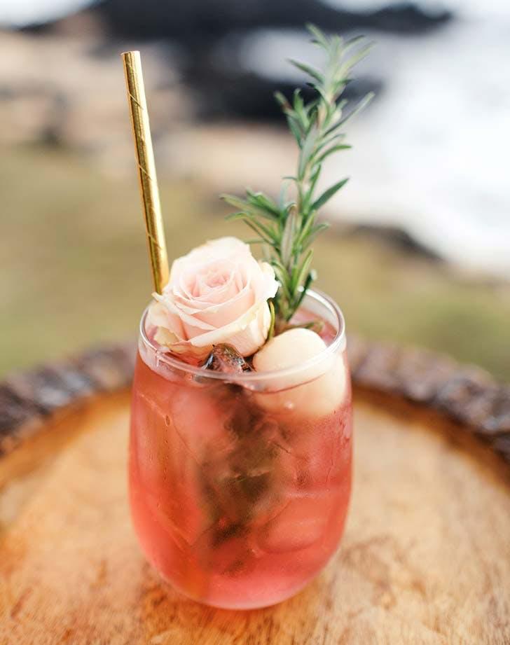 floral cocktail wedding decor