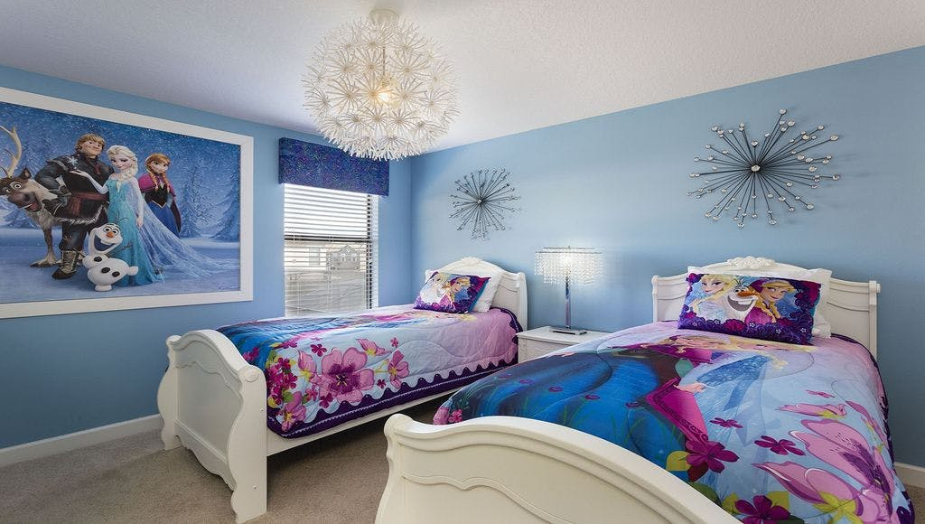 5 disney themed vacation rentals on homeaway purewow - 4 bedroom condos near disney world ...