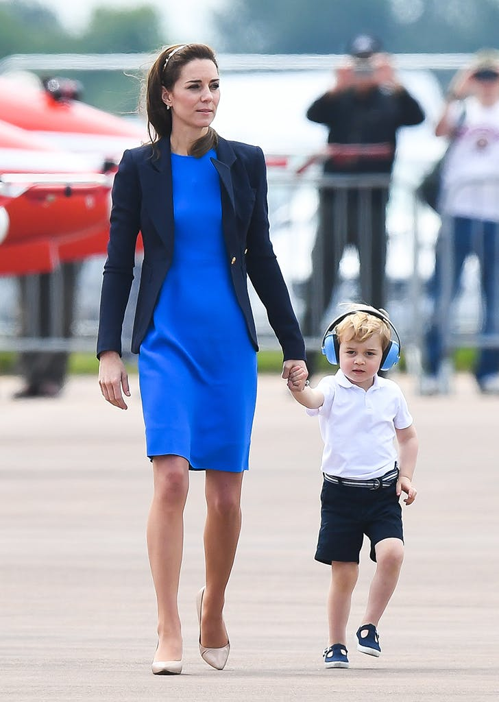 kate middleton wearing a blue dress and blazer1