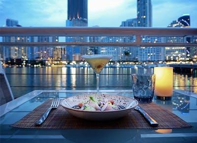 miami dusk dinner drinks skyline 400