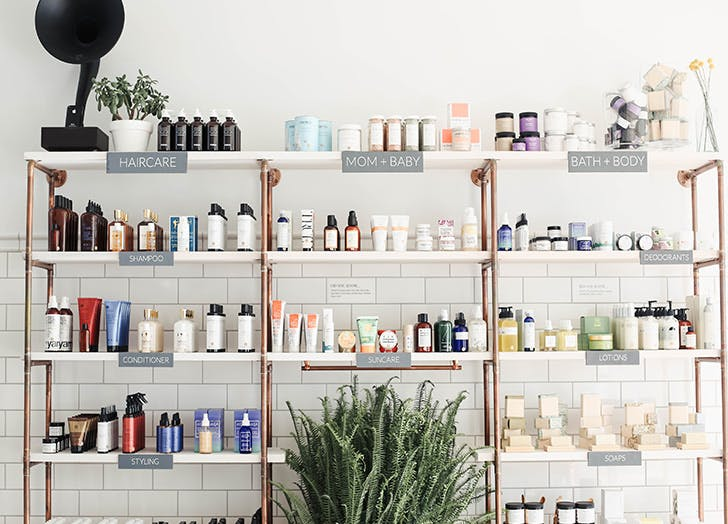 nantucket shopping shelves