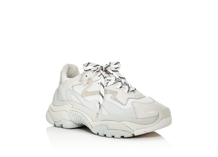 normcore sneaker
