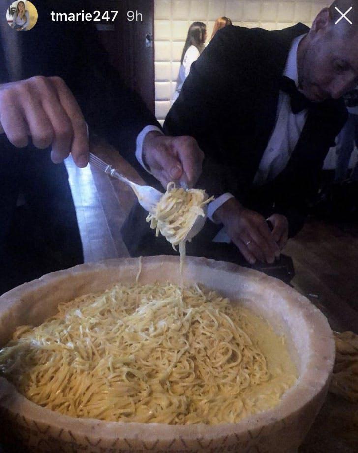 pasta selena gomez assistant