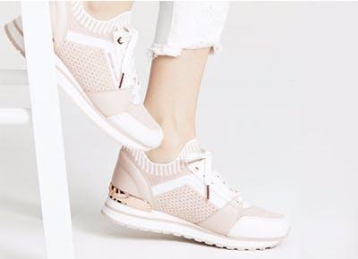 pink sneaker 400