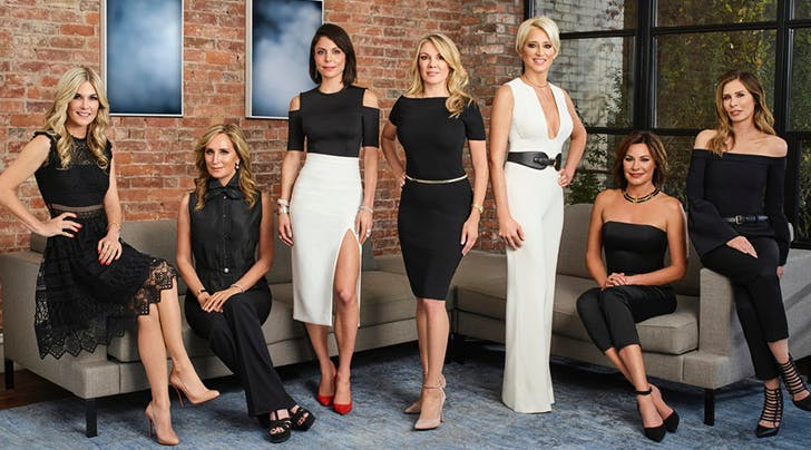 https://purewows3.imgix.net/images/articles/2018_07/real_housewives_new_york.jpg?auto=format,compress&cs=strip