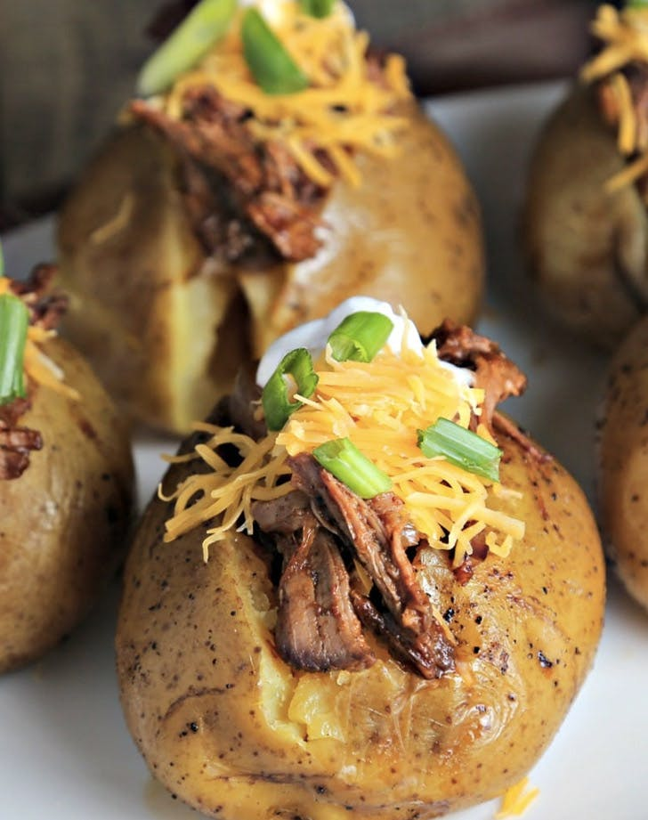 slow cooker beefy bbq spuds recipe