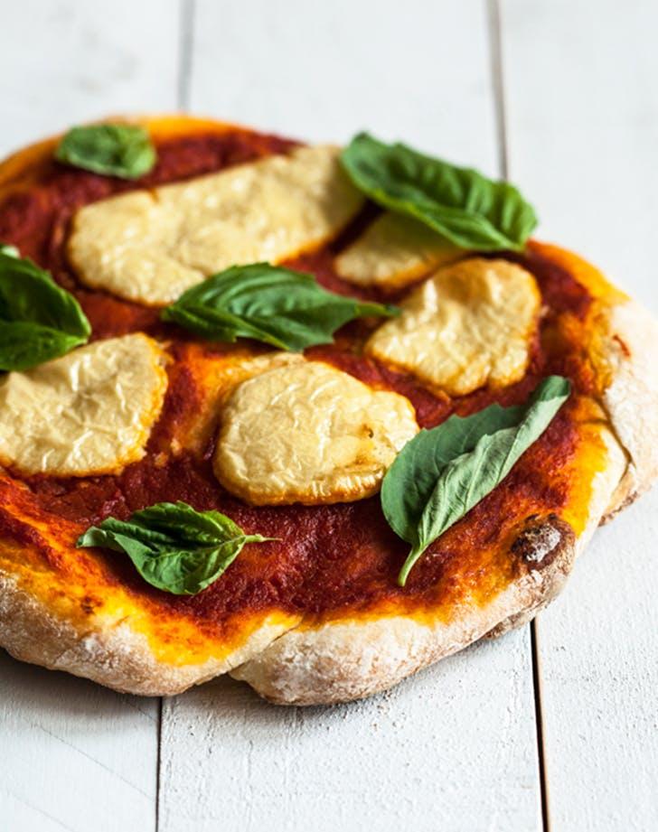 Perfect Vegan Pizza Margherita recipe