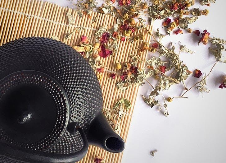 black pot of tea