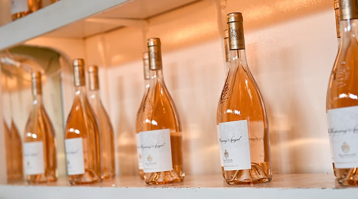 mass produced rose wine 728