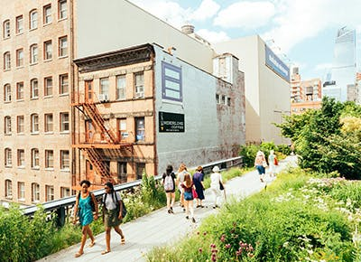 people walking the high line 400