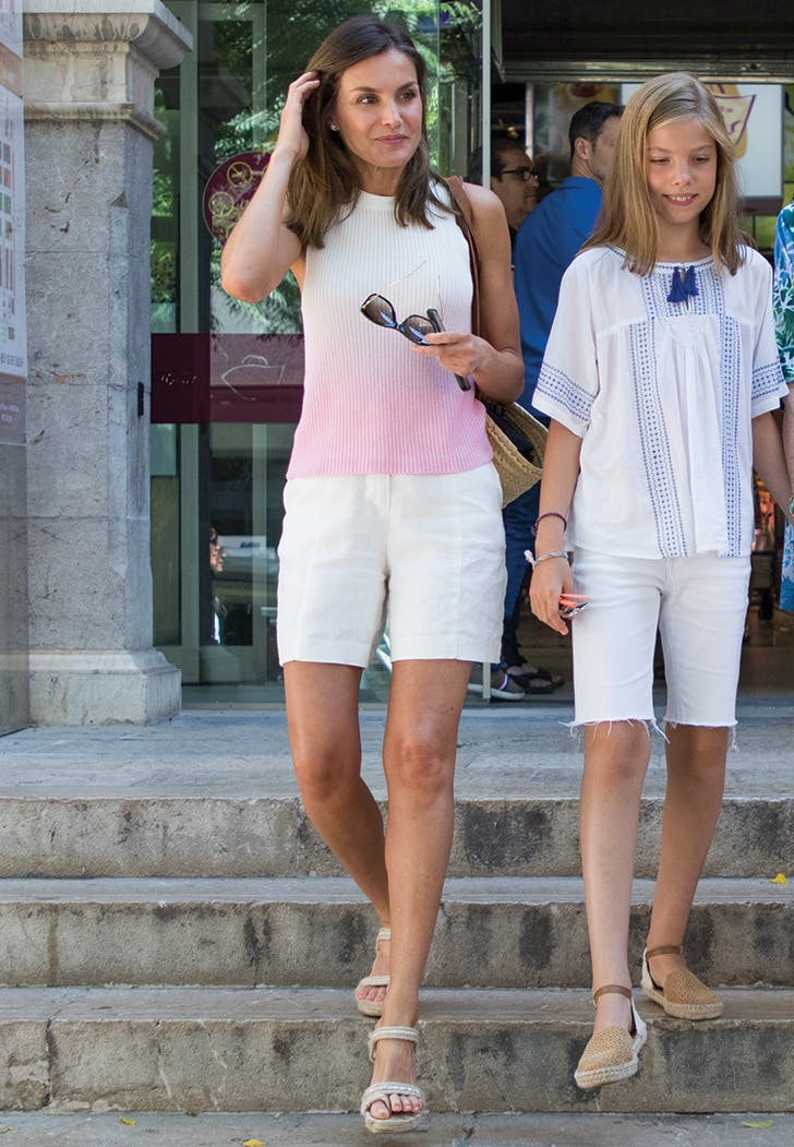 queen letizia of spain wearing shorts