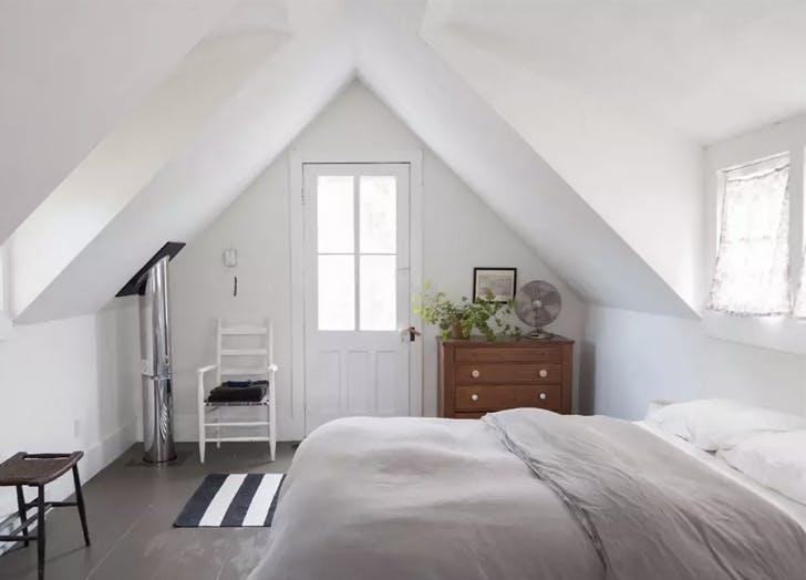 tivoli cottage bedroom white