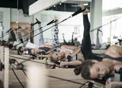 women doing spier pilates 400