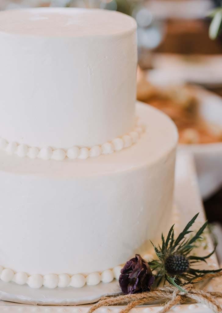 beaded trim wedding cake trend 728