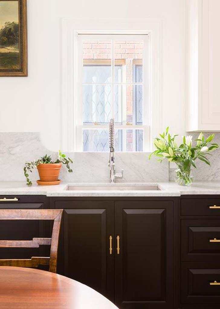 black white traditional kitchen